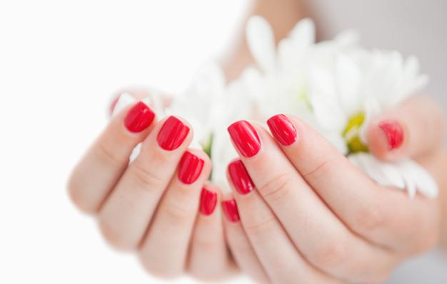 classy-nail-salon-manicure