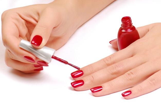 classy-nail-salon-nail-paint