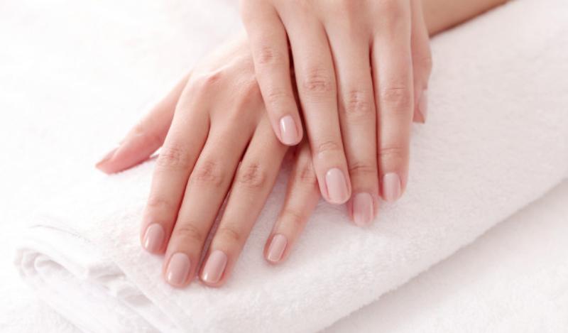 manicure-classy-nail-salon